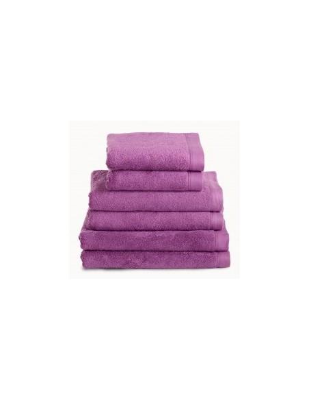 Toallas baño 100% algodón peinado 580 gr. color framboesa